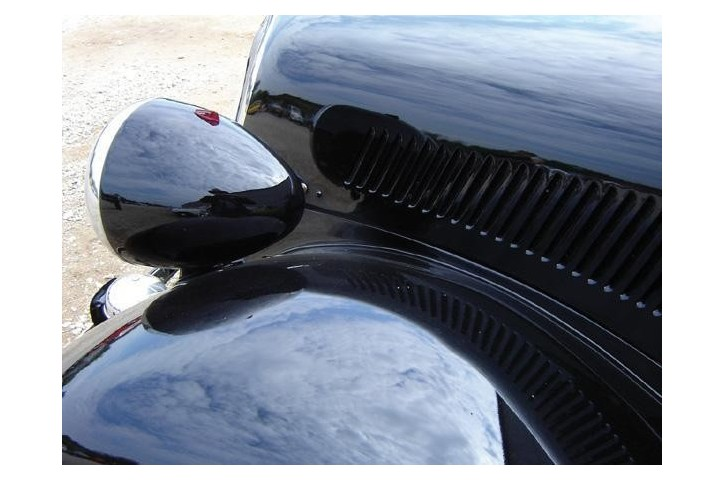 Peinture carrosserie noir brillant restom - Pistolet peinture carrosserie ...