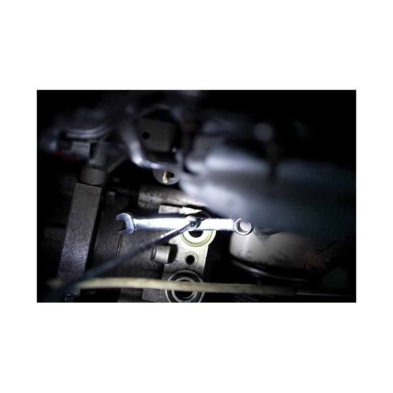 lampe torche 6 leds avec aimant de r cup ration. Black Bedroom Furniture Sets. Home Design Ideas